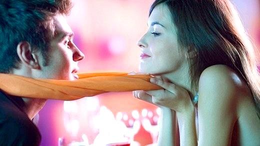 мужчина обращает внимание при знакомстве