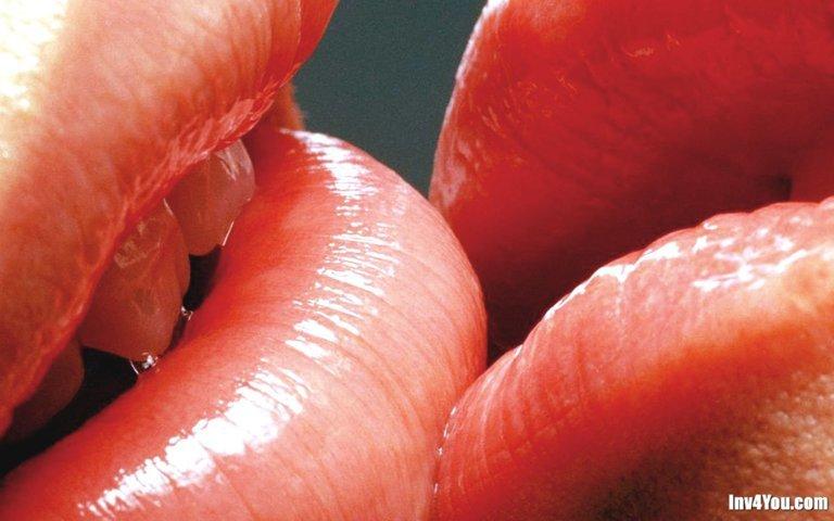 Видео про секс поцелуи в губы фото 344-389
