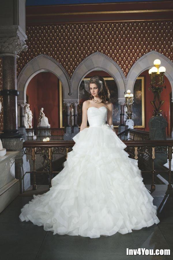 Свадебные платья со стразам