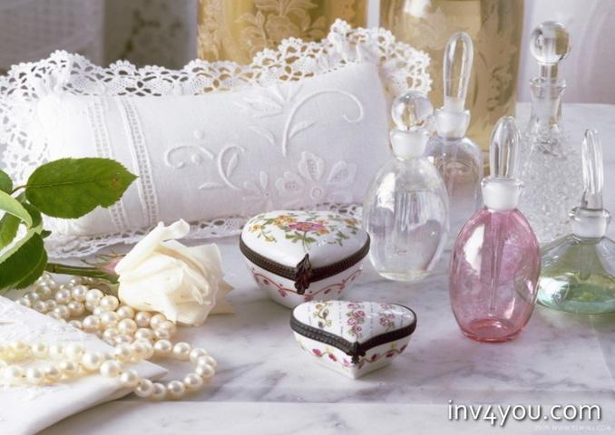 Что подарить на кружевную свадьбу друзьям